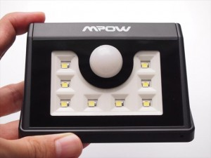 8-led-solar-light-04