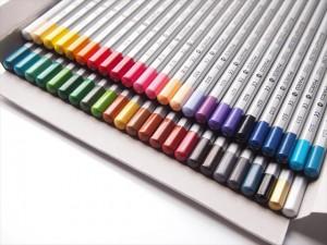 colored-pencils-09