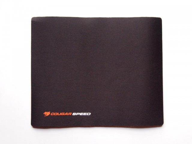 cougar-speed-mouse-pad-01-640x480