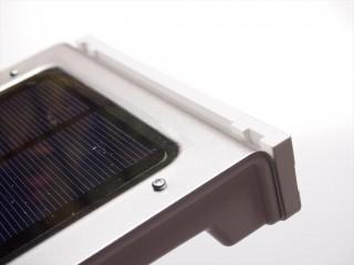 solar-wall-light-10